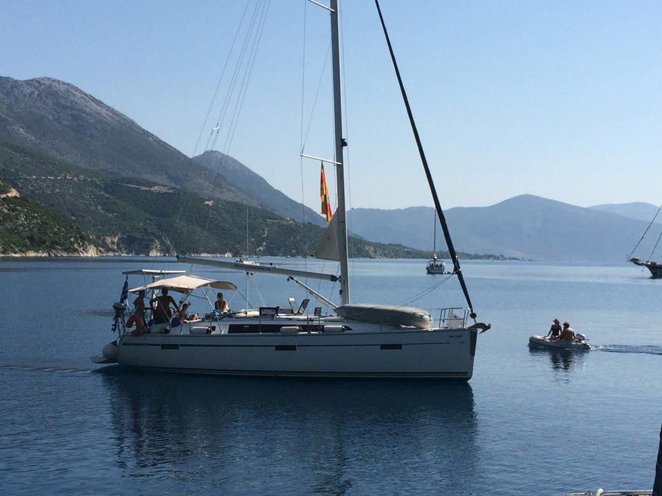 A Guide for sailing in the Ionian Islands fotos 3